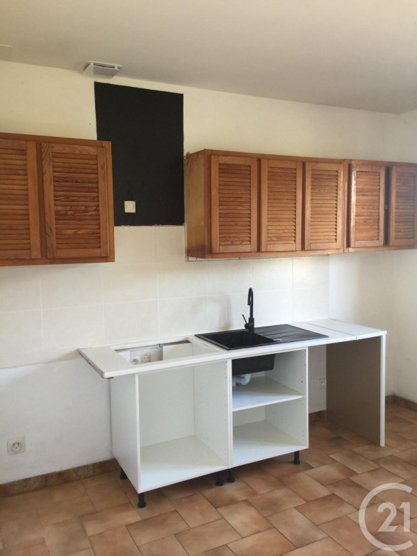 Location maison / villa Corbas 950€ CC - Photo 3
