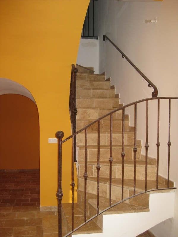 Location maison / villa La barben 1210€ CC - Photo 4