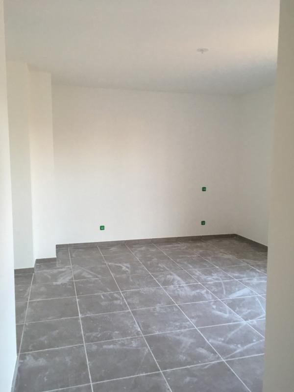 Location appartement Fréjus 1055€ CC - Photo 4