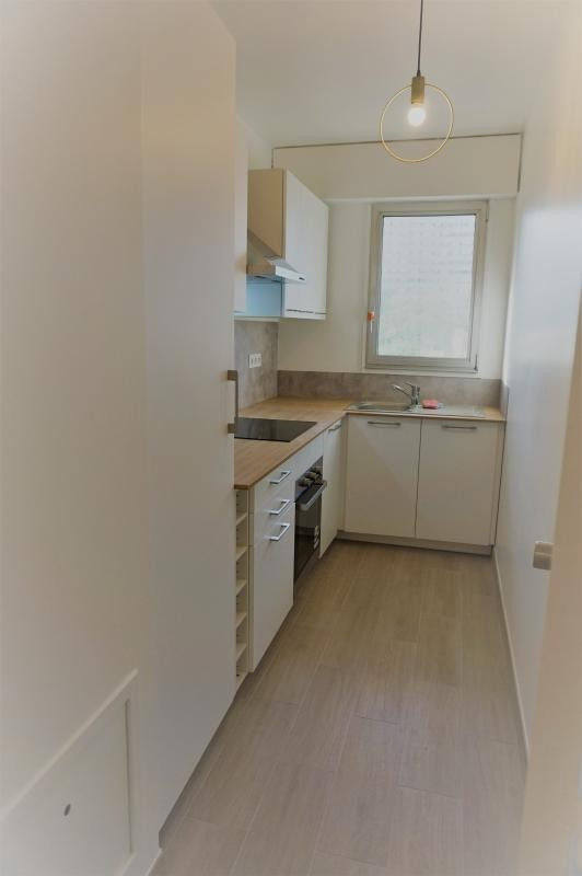 Rental apartment Courbevoie 1 500€ CC - Picture 2
