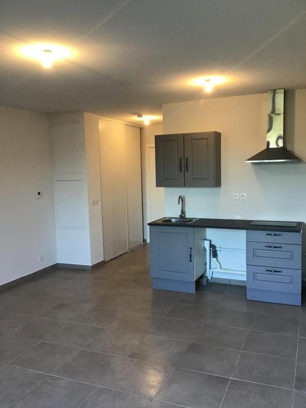 Rental apartment Fréjus 540€ CC - Picture 1