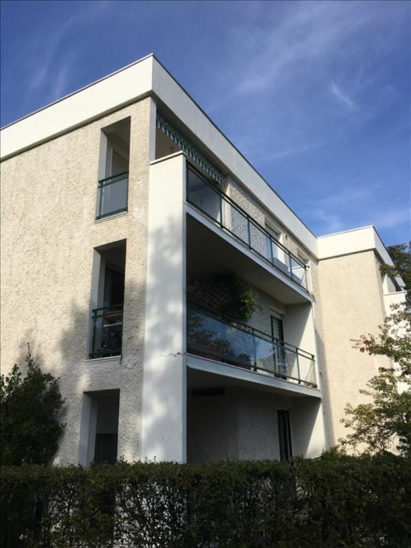 Rental apartment Charbonnieres les bains 800€ CC - Picture 13