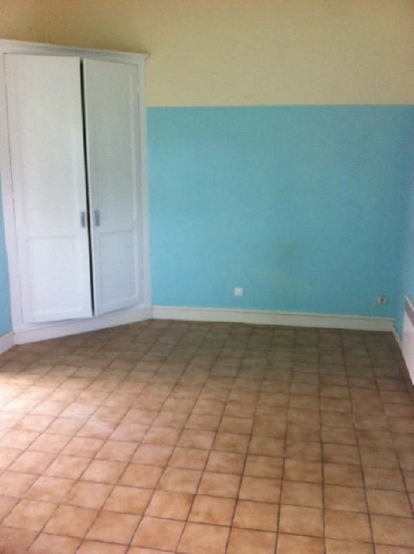 Location maison / villa Ares 763€ CC - Photo 6