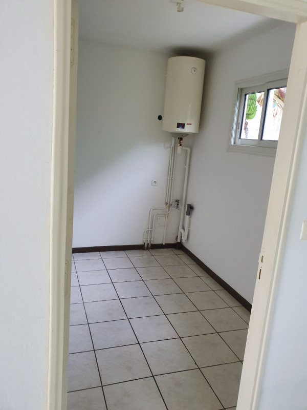 Location maison / villa Le tampon 800€ CC - Photo 4