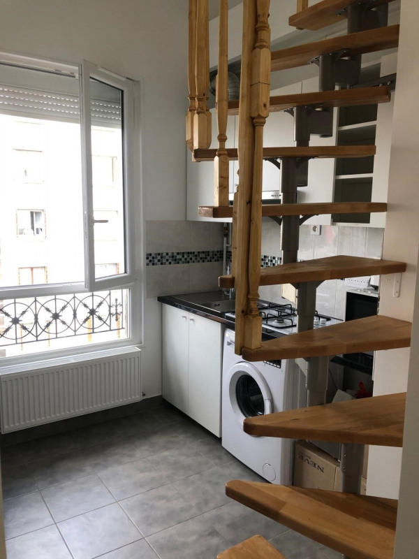 Rental apartment Villejuif 750€ CC - Picture 2