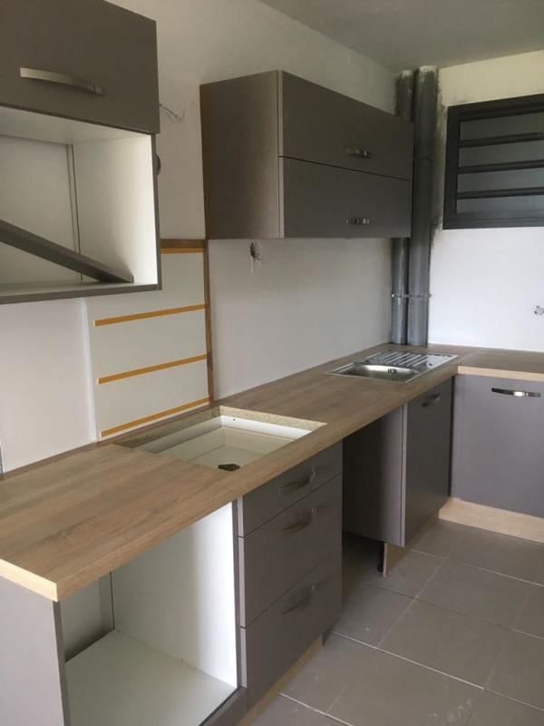 Sale apartment Fort de france 289000€ - Picture 2