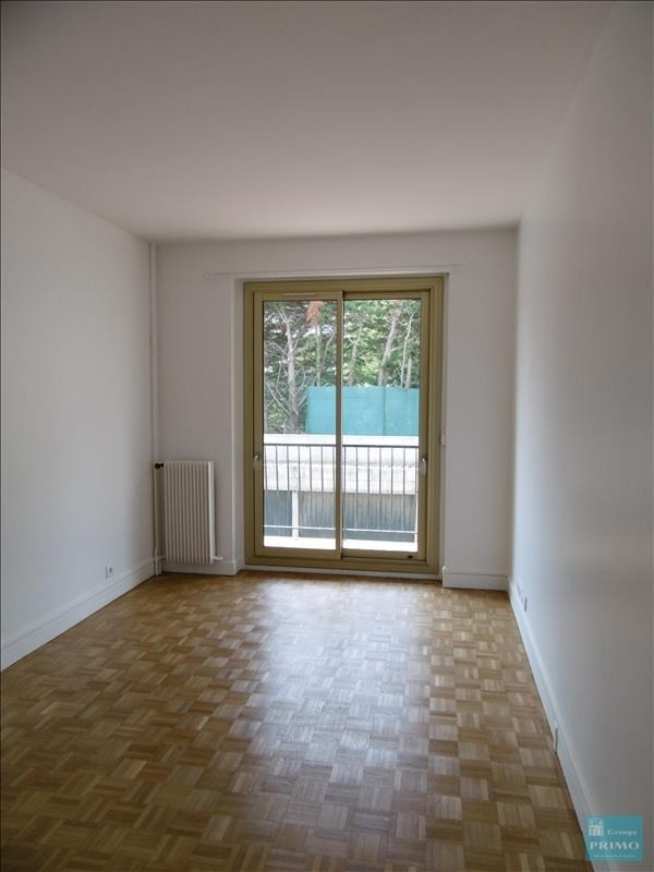 Location appartement Le plessis robinson 956€ CC - Photo 7