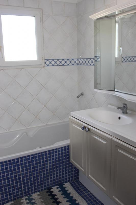 Revenda casa Lambesc 549000€ - Fotografia 16