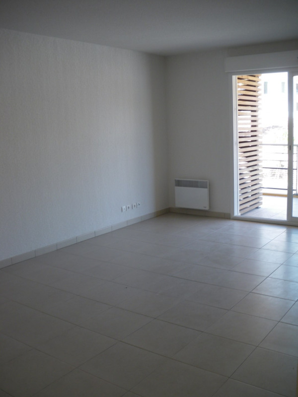 Rental apartment Fréjus 780€ CC - Picture 1