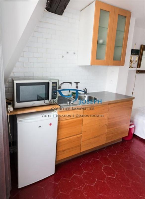 Location appartement Paris 4ème 850€ CC - Photo 2