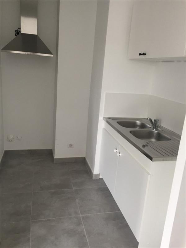 Rental apartment Aix en provence 770€ CC - Picture 2