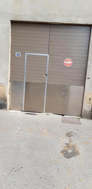 Rental parking spaces Oullins 308€ CC - Picture 1