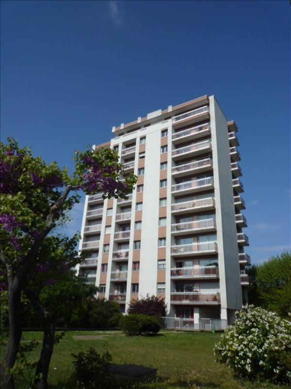 Location appartement Les pavillons sous bois 585€ CC - Photo 1