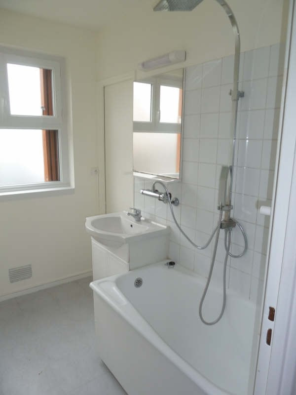 Rental apartment Conflans ste honorine 858€ CC - Picture 3