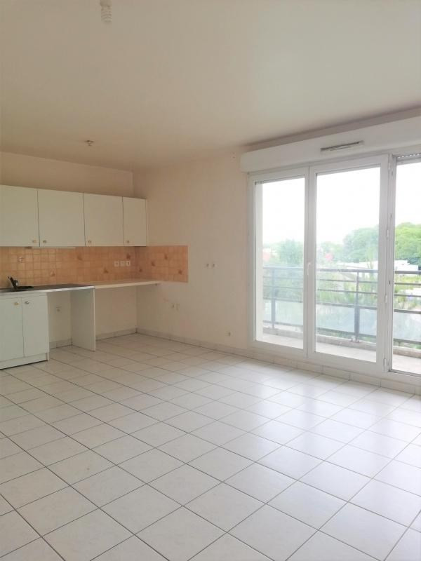 Location appartement Cergy 920€ CC - Photo 1