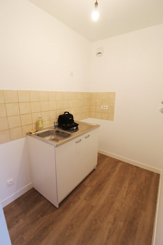Rental apartment Maurepas 760€ CC - Picture 4