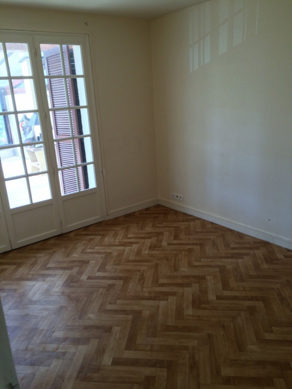 Location appartement Maurepas 990€ CC - Photo 4