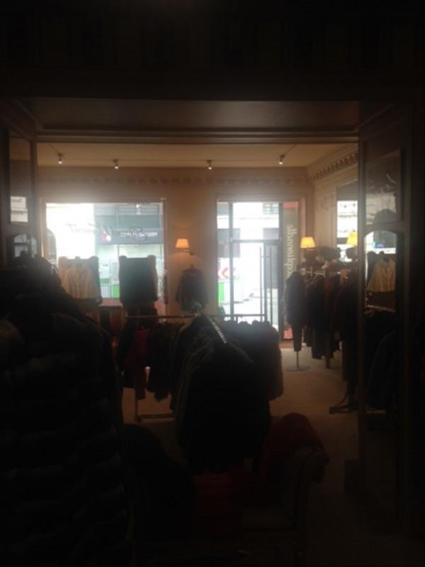 Sale shop Paris 8ème 392000€ - Picture 5