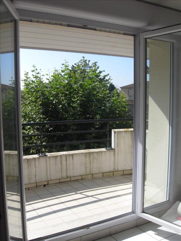 Location appartement Meximieux 781€ CC - Photo 4