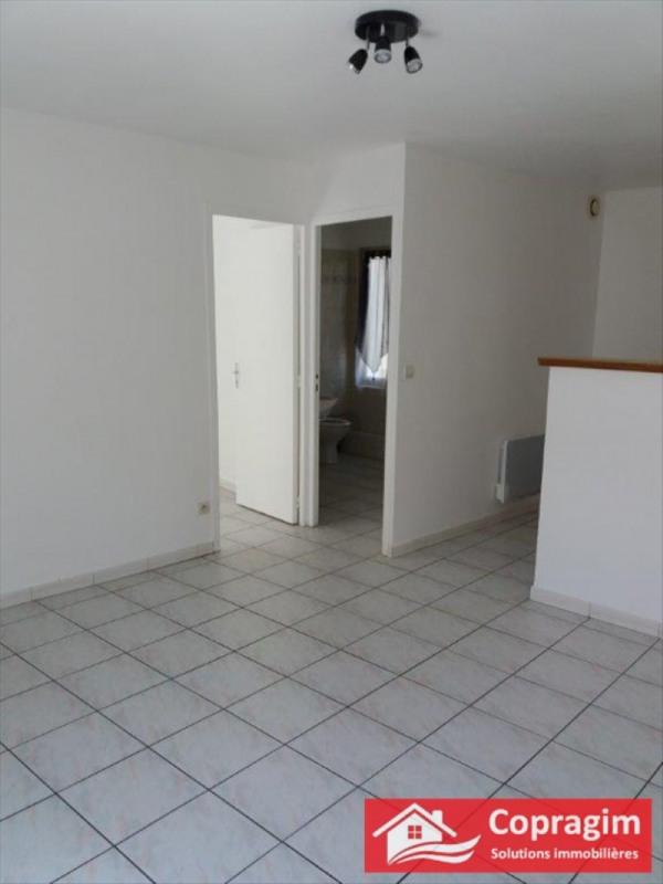Rental apartment Montereau fault yonne 470€ CC - Picture 1
