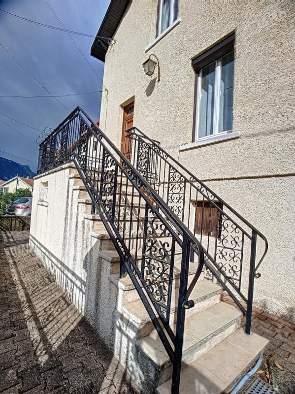 Investment property house / villa Saint-martin-d'hères 325000€ - Picture 11