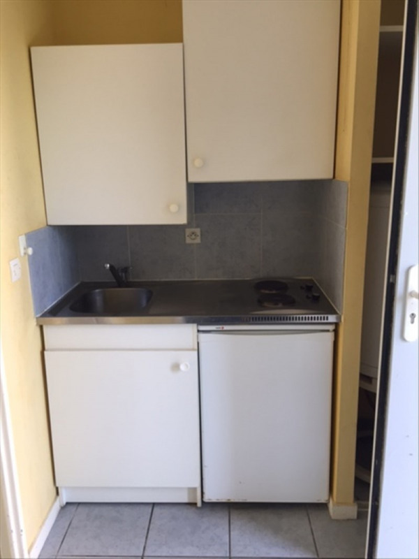 Location appartement Lamothe montravel 300€ CC - Photo 3