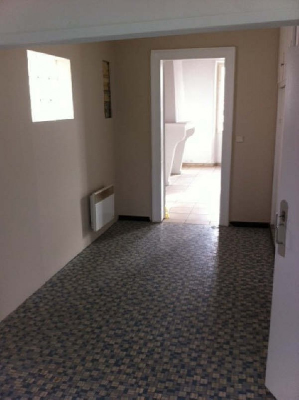 Location maison / villa Ares 763€ CC - Photo 7