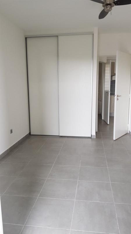 Location appartement St denis camelias 651€ CC - Photo 4