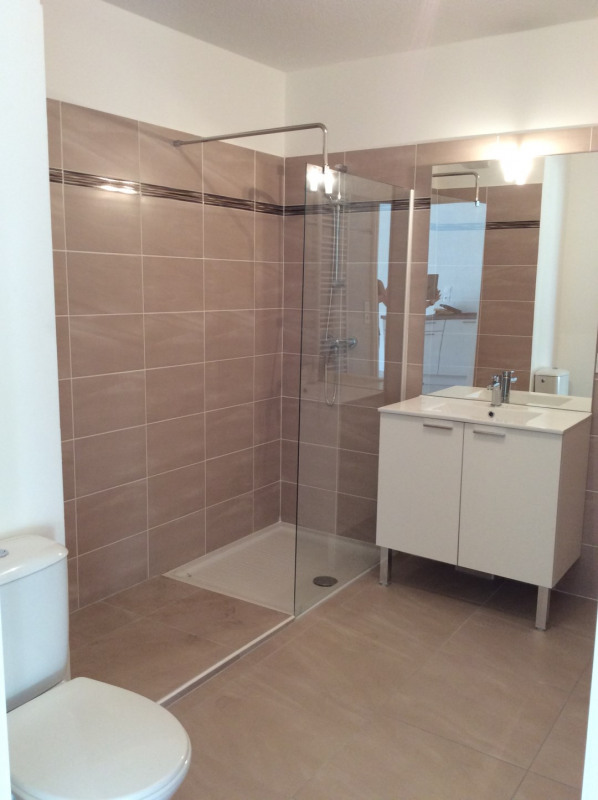 Location appartement Fréjus 793€ CC - Photo 9