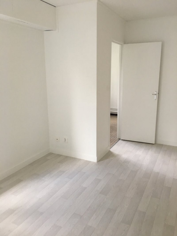 Location appartement Rosny sous bois 680€ CC - Photo 3