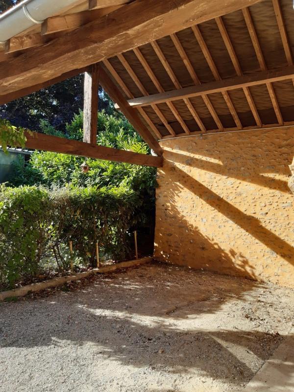 Location maison / villa Orphin 1490€ CC - Photo 5