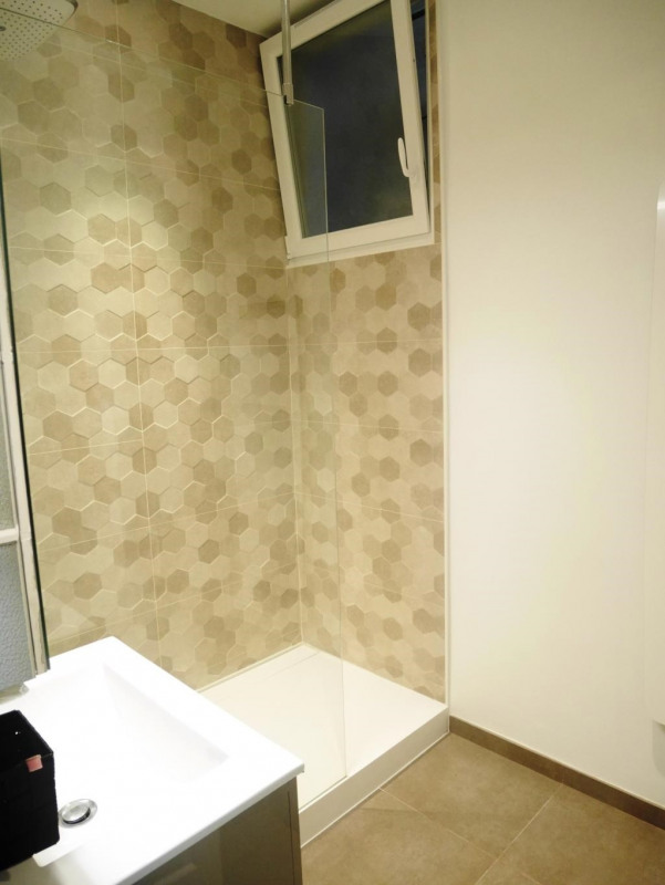 Location appartement Paris 17ème 2570€ CC - Photo 19
