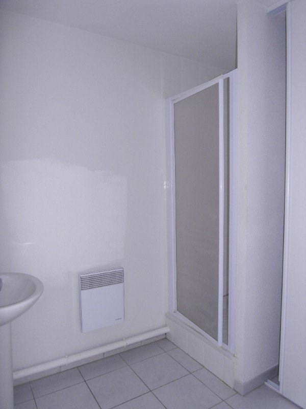 Rental apartment Cognac 383€ CC - Picture 5