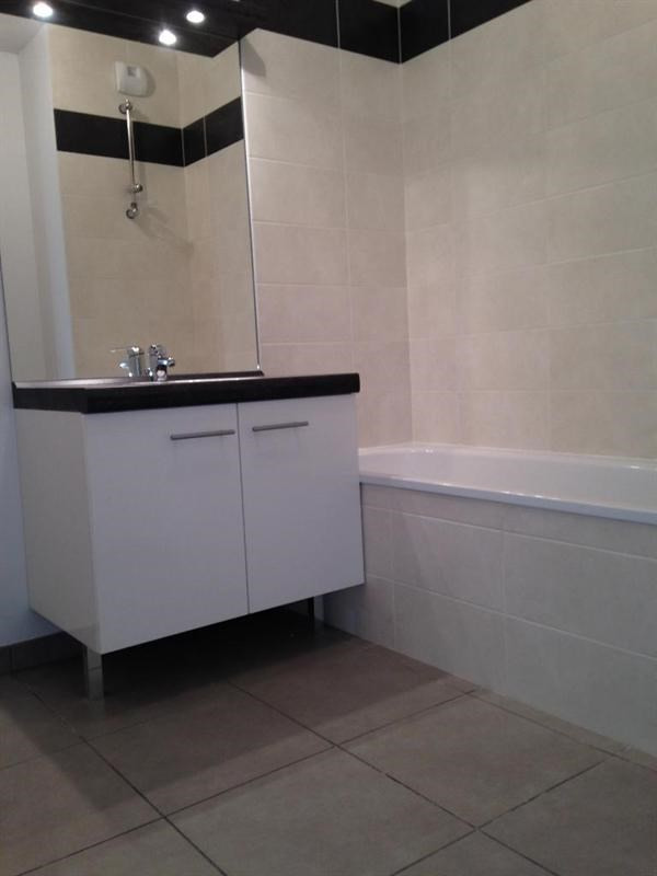Sale apartment Pierre-bénite 179000€ - Picture 2