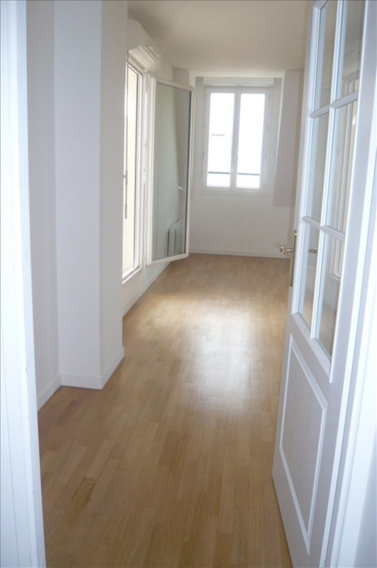 Rental apartment Montrouge 1 580€ CC - Picture 1