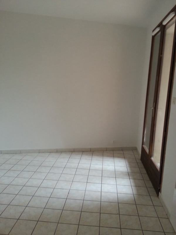 Location appartement Genas 647€ CC - Photo 5