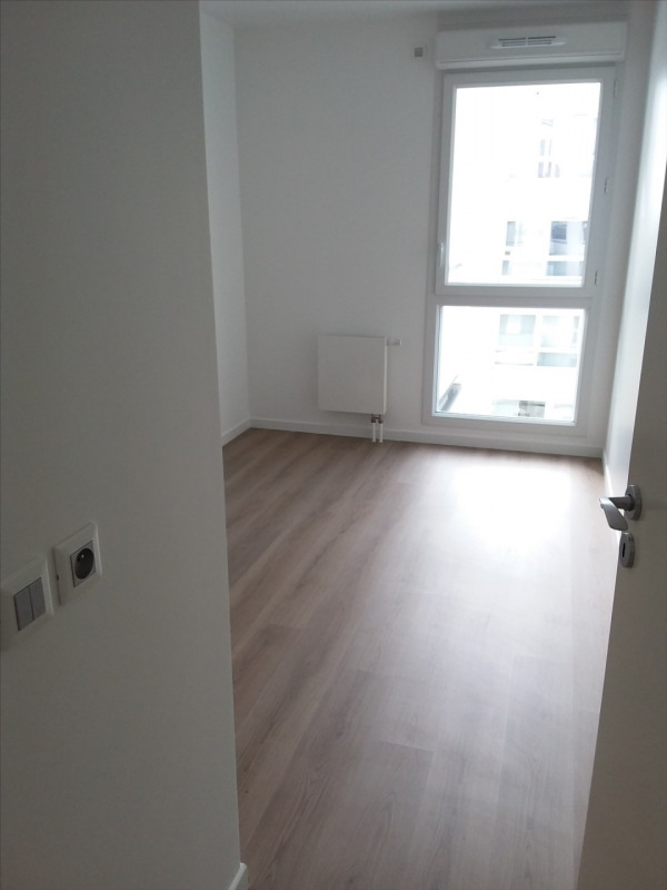 Rental apartment Cergy le haut 951€ CC - Picture 5