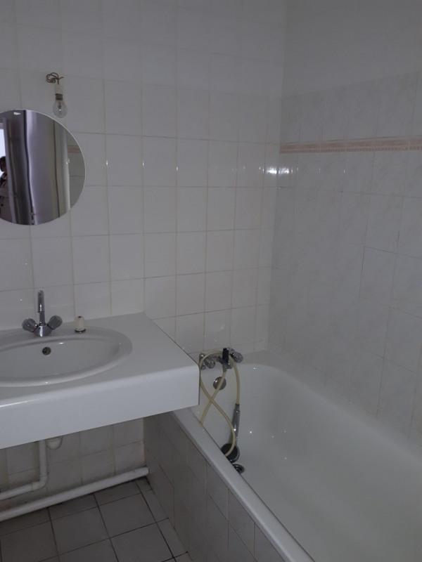 Rental apartment Cran gevrier 833€ CC - Picture 2