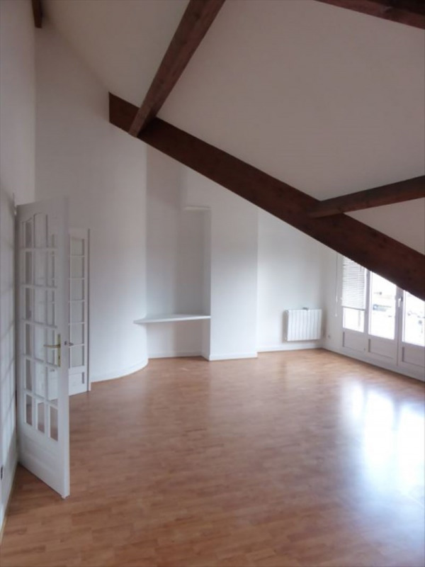 Location appartement Bois-d'arcy 1050€ CC - Photo 4