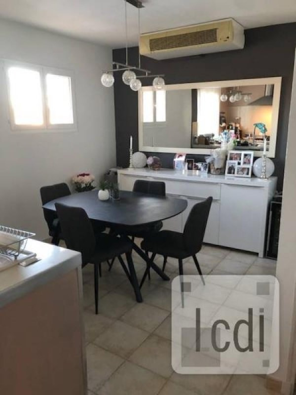 Vente appartement Beaucaire 138 000€ - Photo 1