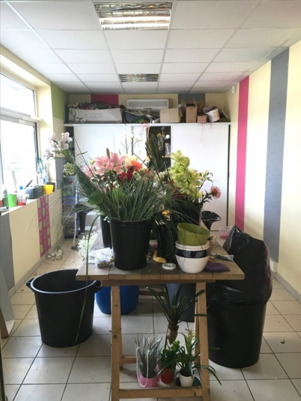 Commercial property sale shop Fougeres 125 760€ - Picture 6