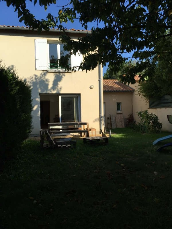 Rental house / villa St benoit 710€ CC - Picture 2