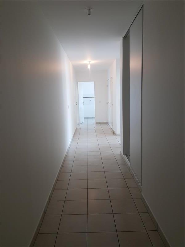Rental apartment Saint-denis 938€ CC - Picture 5