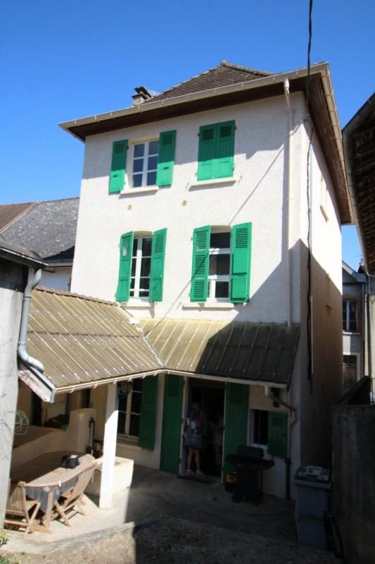 Produit d'investissement immeuble La tour du pin 190000€ - Photo 1