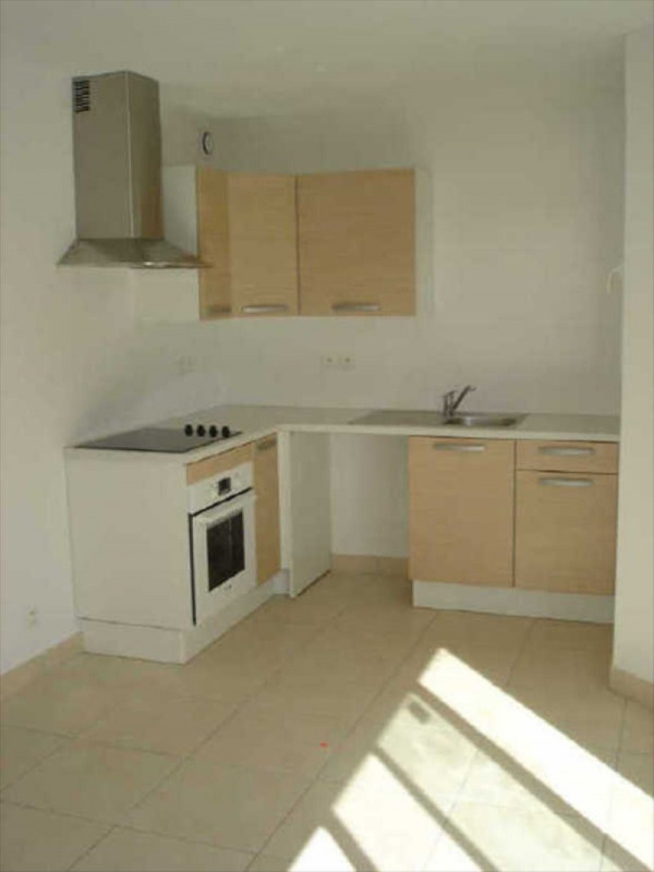 Rental apartment Alenya 610€ CC - Picture 1