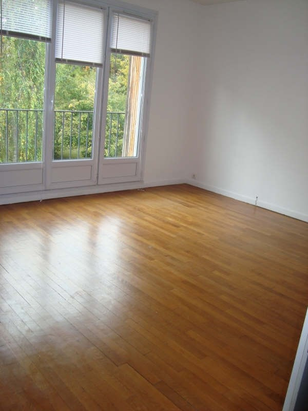 Rental apartment Marly le roi 906€ CC - Picture 3