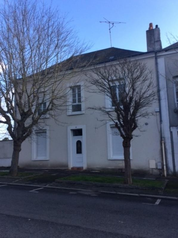 Revenda casa Chateau renault 231000€ - Fotografia 1