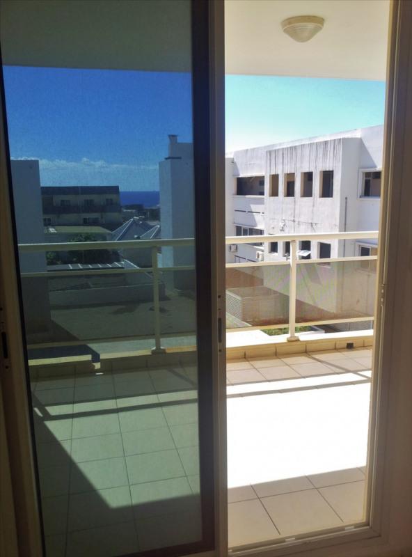 Locação apartamento Saint denis 595€ CC - Fotografia 5