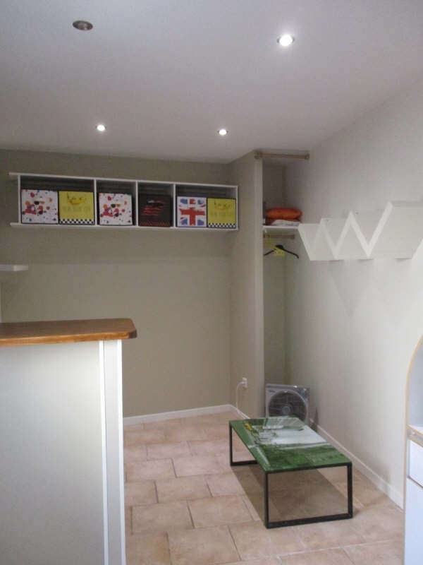 Location appartement Nimes 310€ CC - Photo 2