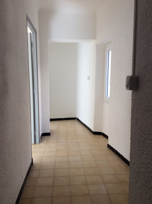 Location appartement Fréjus 585€ CC - Photo 2